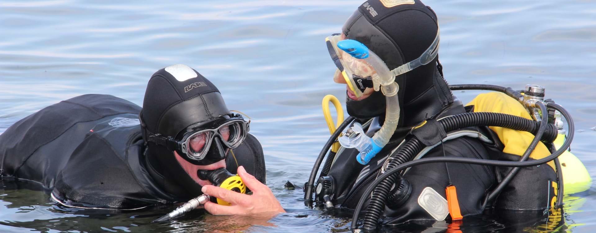 Dykning med Peder Mondrup Med Mundstykke